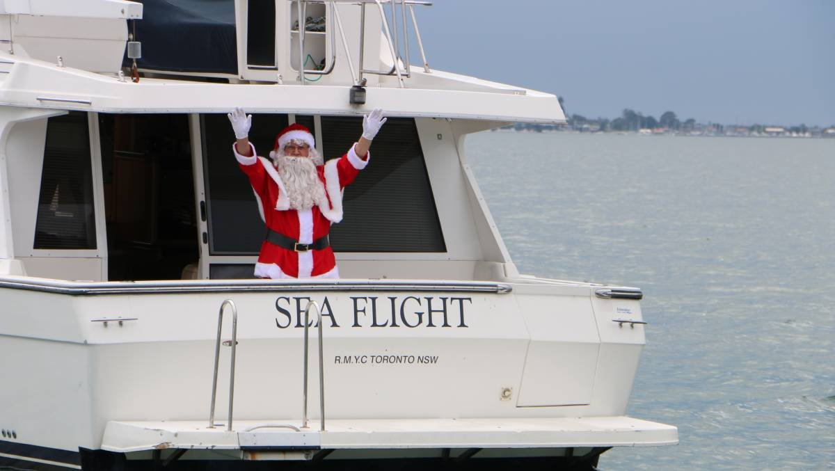 I understand that Santa and some of his helpers from the Rotary Club of Toronto will be making the traditional water voyage along the western shores of Lake Macquarie on Christmas Eve,