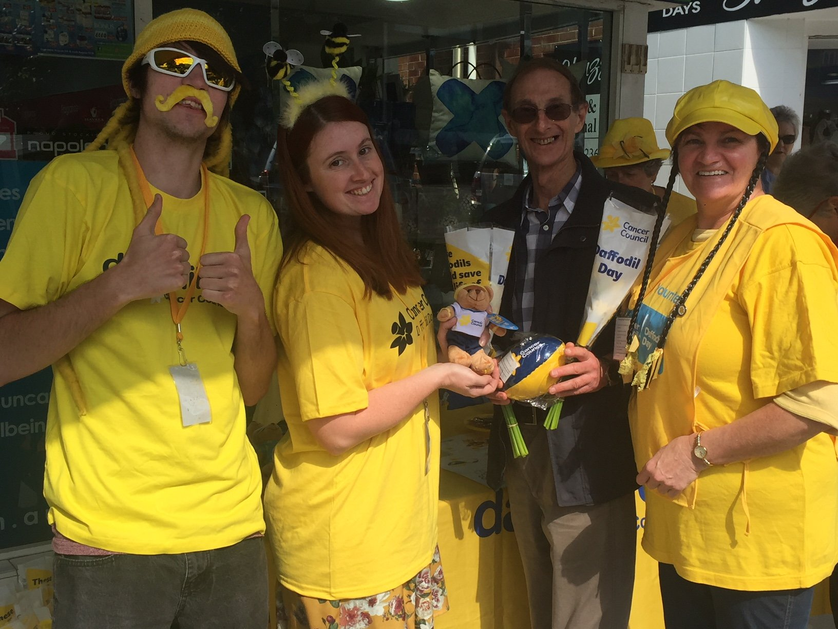 Don't let the awful shenanigans in Canberra distract you from the fact it's Daffodil Day! Volunteers from the Cancer Council NSW - Hunter Region are selling daffodils and fantastic merchandise outside Simply Pharmacy on The Boulevard at Toronto until about 3.30 today